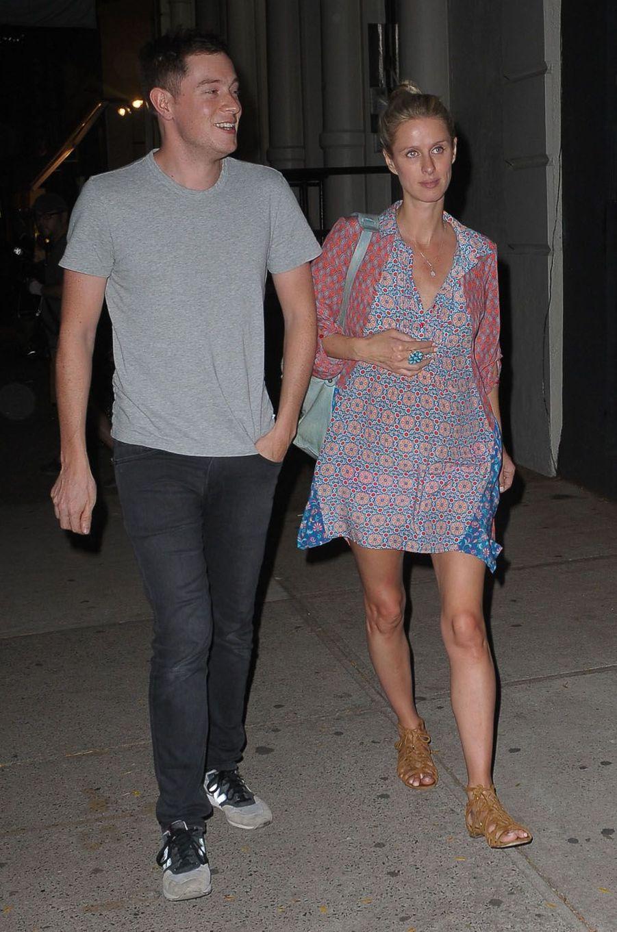 James Rothschild et Nicky Hiltonlors de la fête de fiançailles de Quentin Tarantino et Daniella Pick, le 23 septembre 2017 à New York.