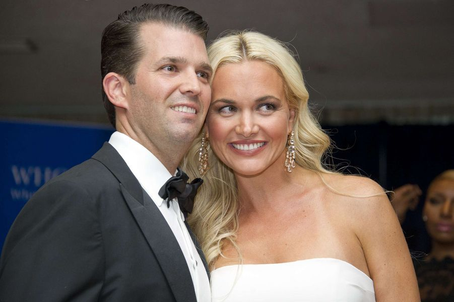 Donald Trump Jr. pose avec son épouse Vanessa, en 2016.