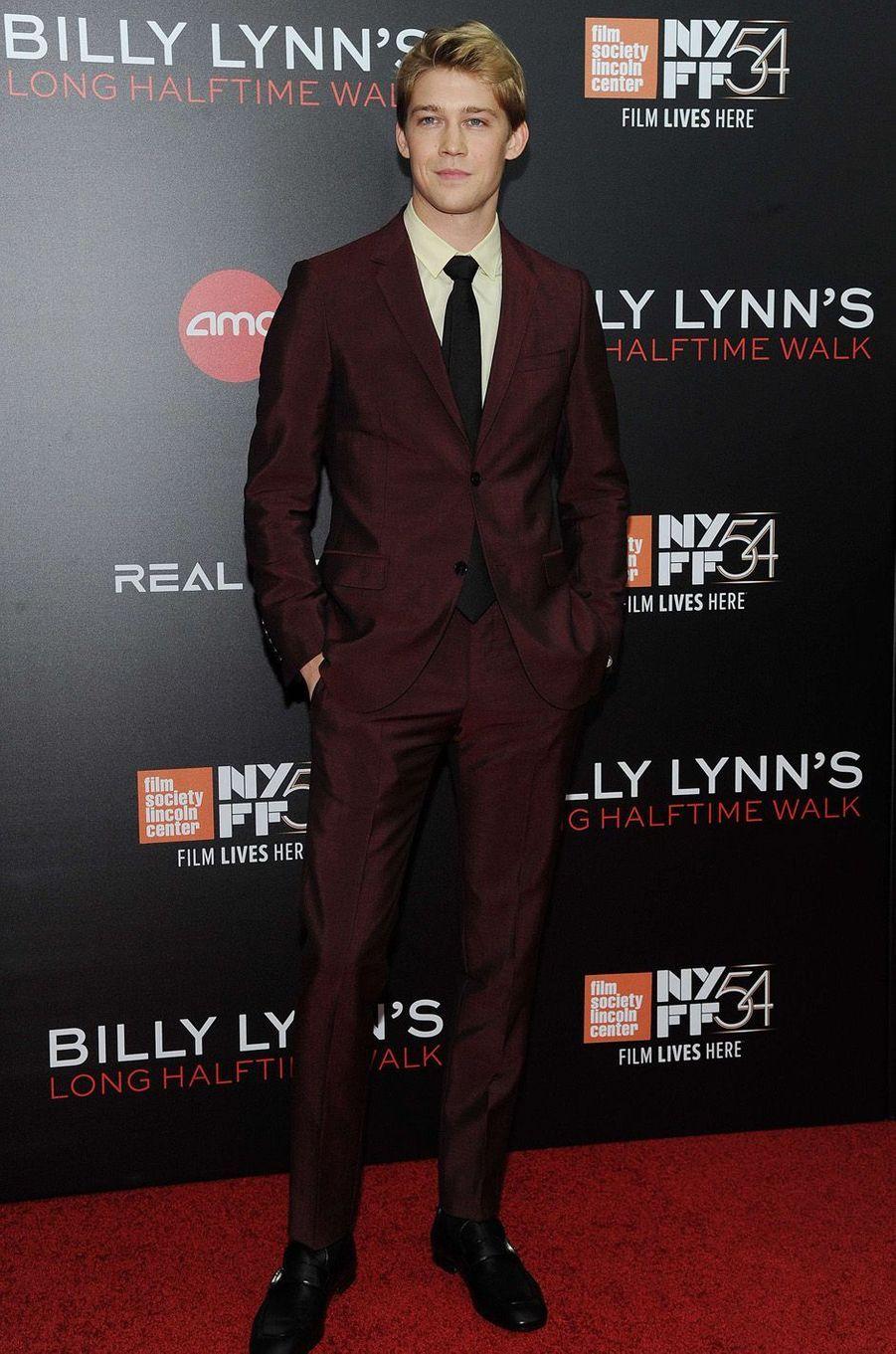 """Joe Alwyn à l'avant-première de """"Un jour dans la vie de Billy Lynn"""" à New York, le 14 octobre 2016."""