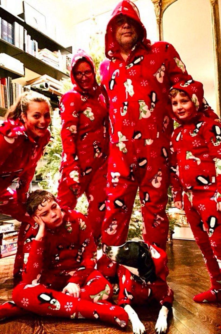 Leila George, photo de famille pour Noël