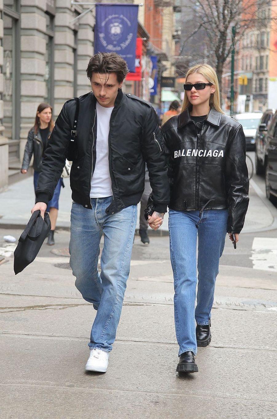 Nicola Peltz avec Brooklyn Beckham en mars 2020 à New York