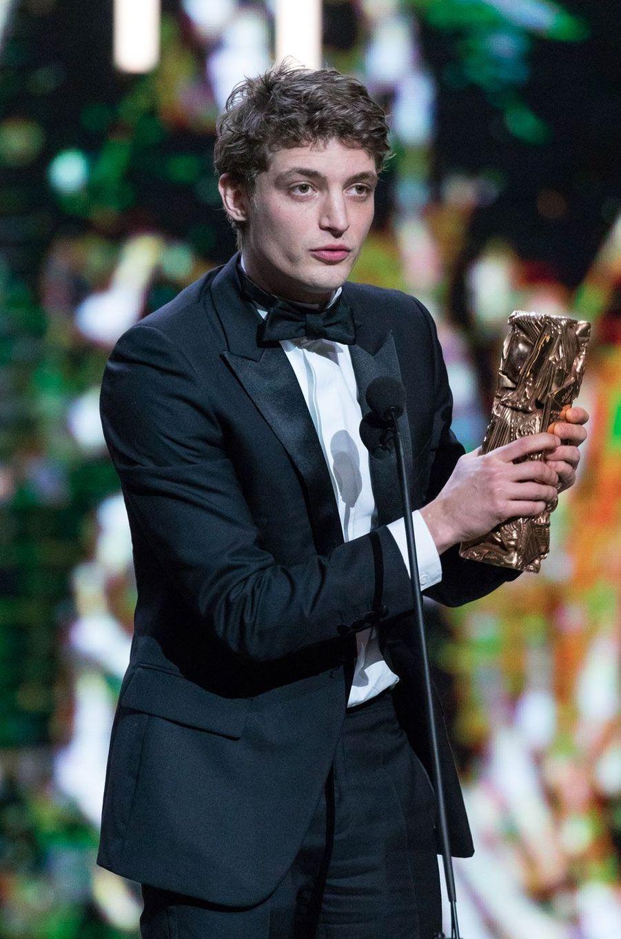 Niels Schneider lors de la 42ème cérémonie des César à la salle Pleyel à Paris le 24 février 2017