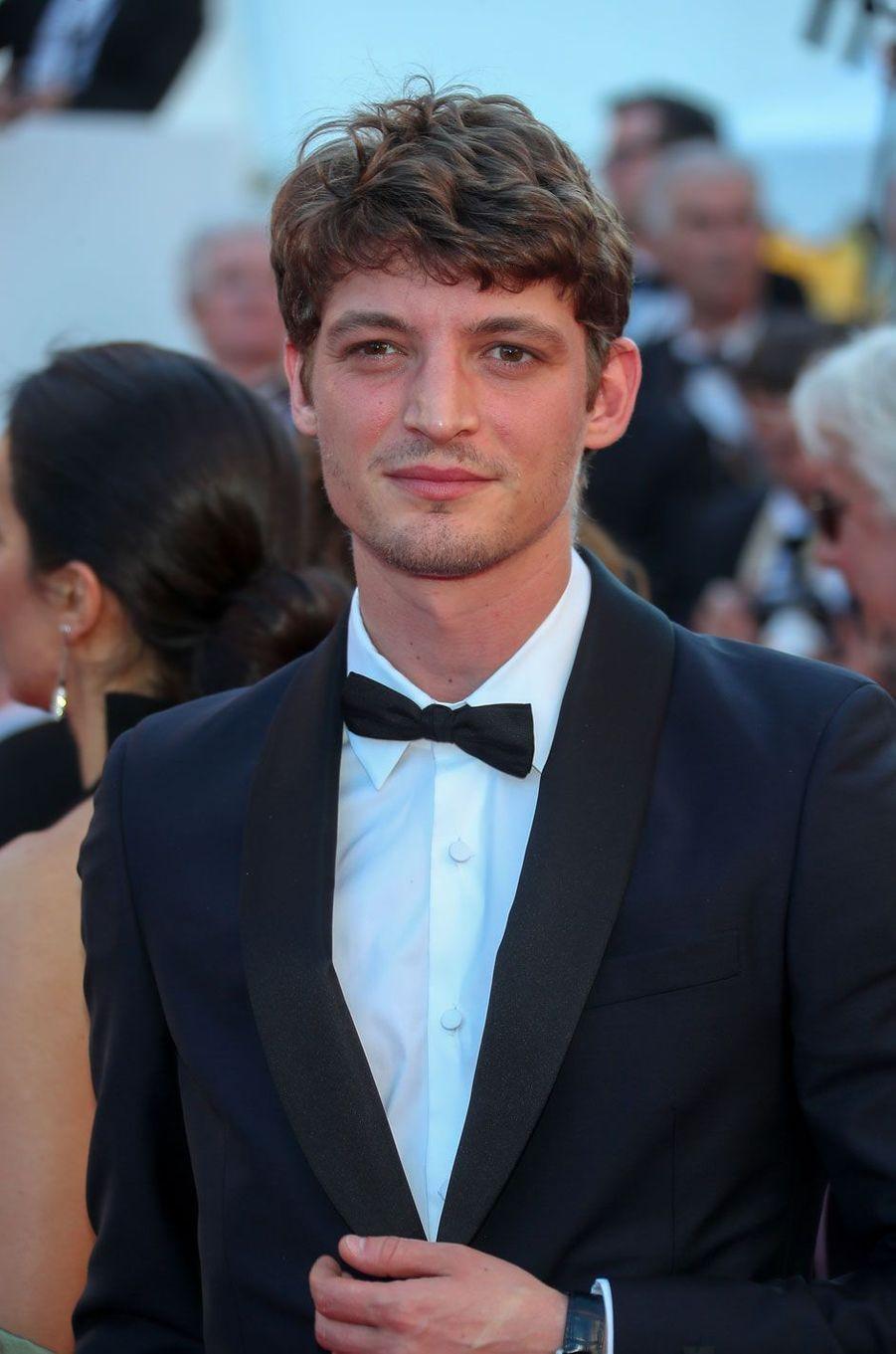 Niels Schneider lors de la cérémonie d'ouverture du 70ème Festival International du Film de Cannes, le 17 mai 2017