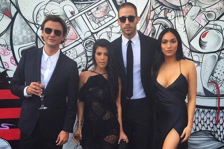 Stephanie Sheperd, Kourtney Kardashian et leurs amis