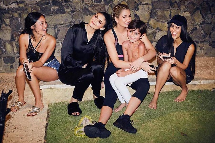 Stephanie Sheperd, Kylie Jenner, Khloé Kardashian, Kim et Mason (fils de Kourtney Kardashian, ndlr)