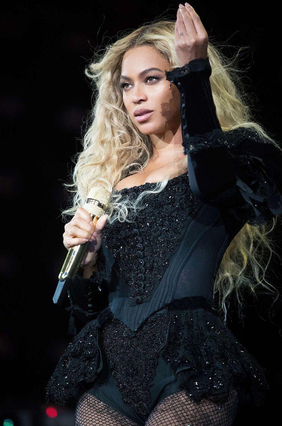 Beyoncé est en ce moment-même enceinte de jumeaux.