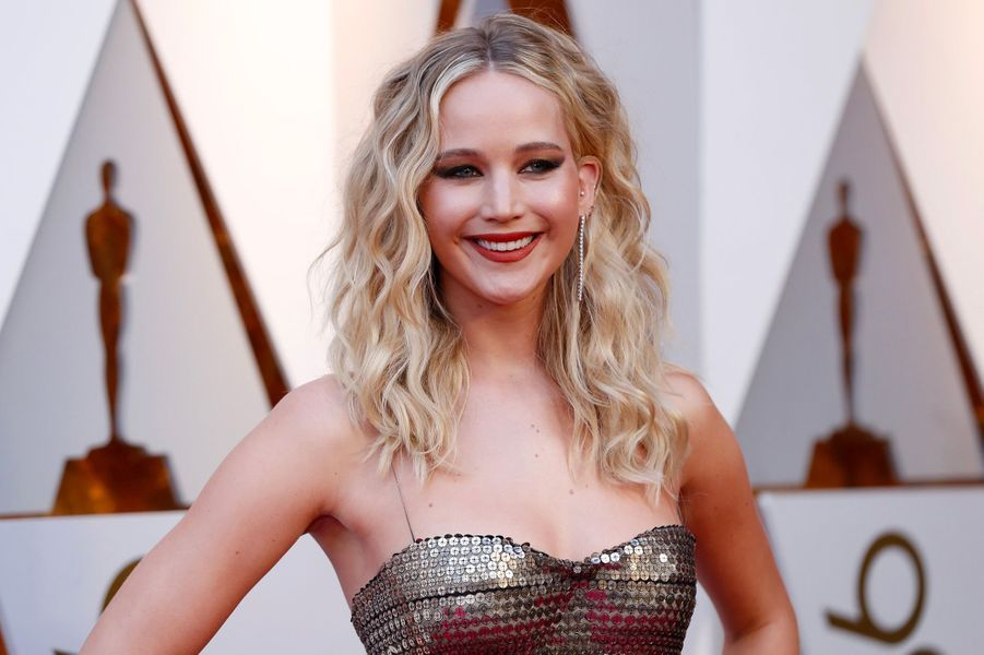 4) Jennifer Lawrence – 18 millions de dollars