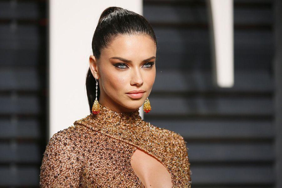 4. Adriana Lima – 10,5 millions de dollars