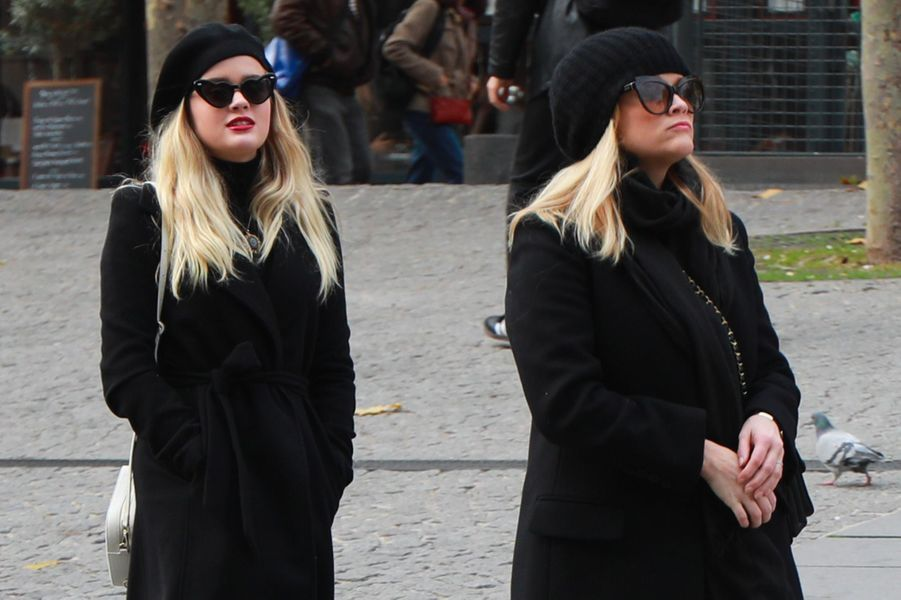 Reese Witherspoon et sa fille Ava Phillippe à Paris