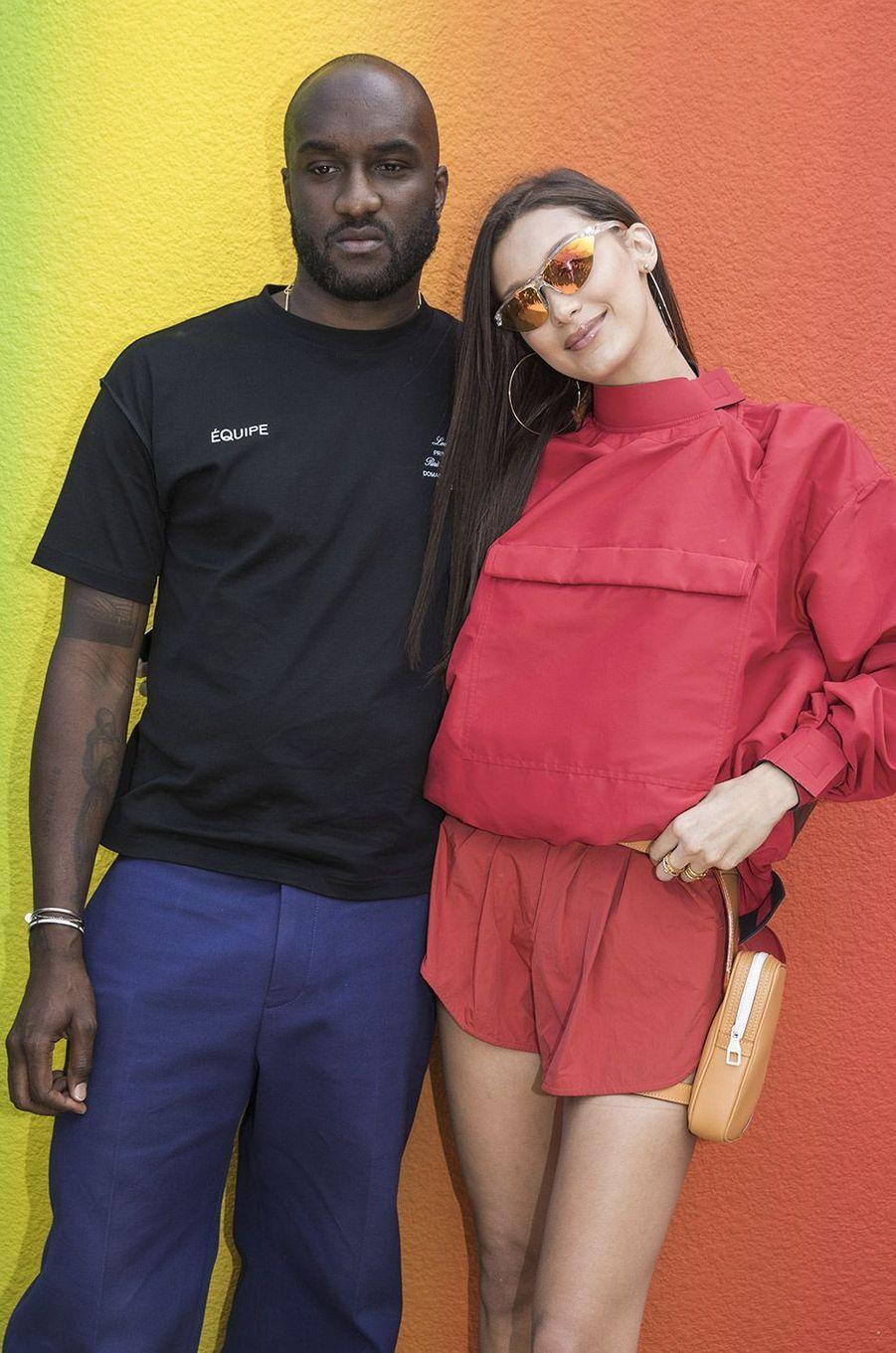 Bella Hadid et Virgil Abloh au défilé homme Louis Vuitton jeudi 21 juin
