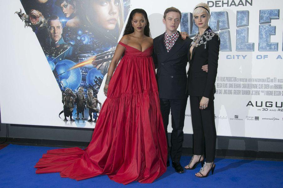Rihanna, Cara Delevingne et Dane DeHaanà l'avant-première de Valérian et la Cité des mille planètes, à Londres le 24 juillet 2017.