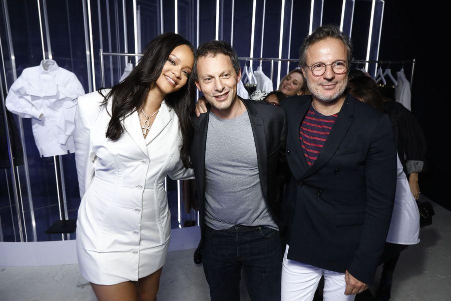 Rihanna, Marc-Olivier Fogiel etOlivier Bialobos aulancement de la première collection Fenty à Paris le 22 mai 2019