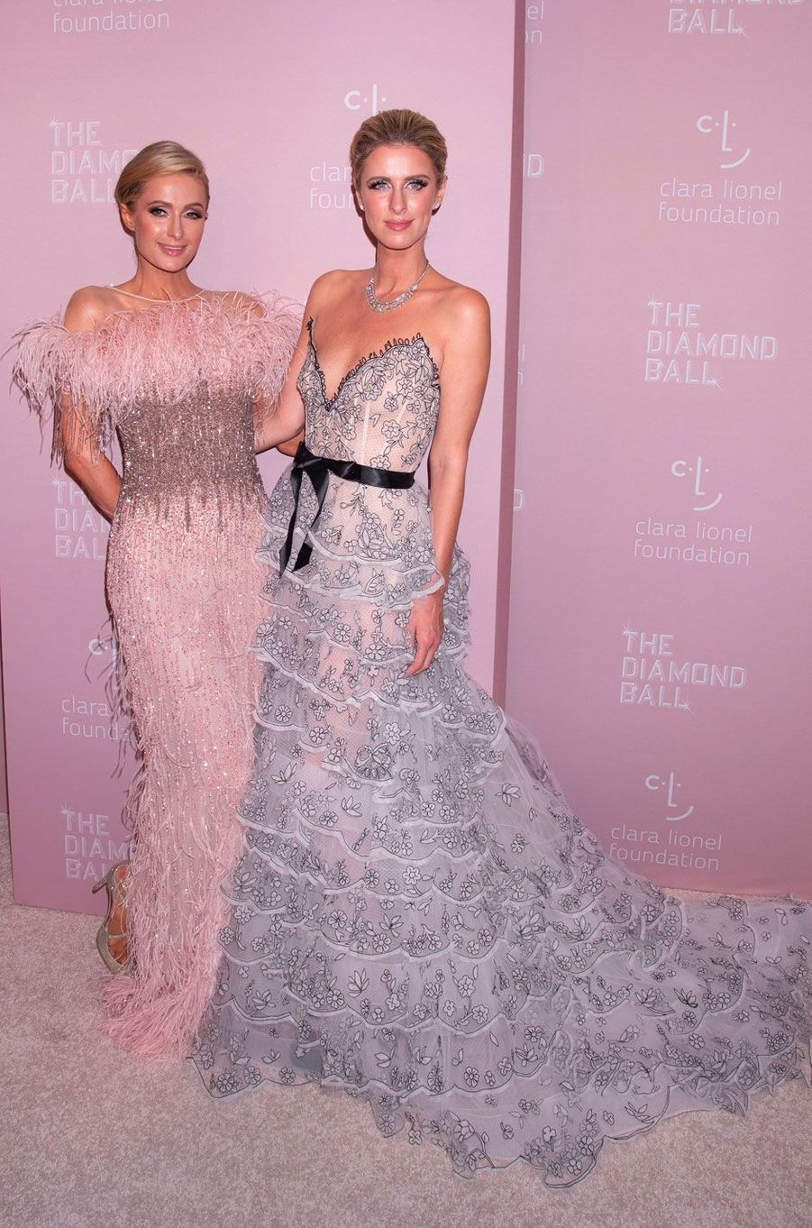 Paris et Nicky Hilton au Diamond Ball, à New York le 13 septembre 2018