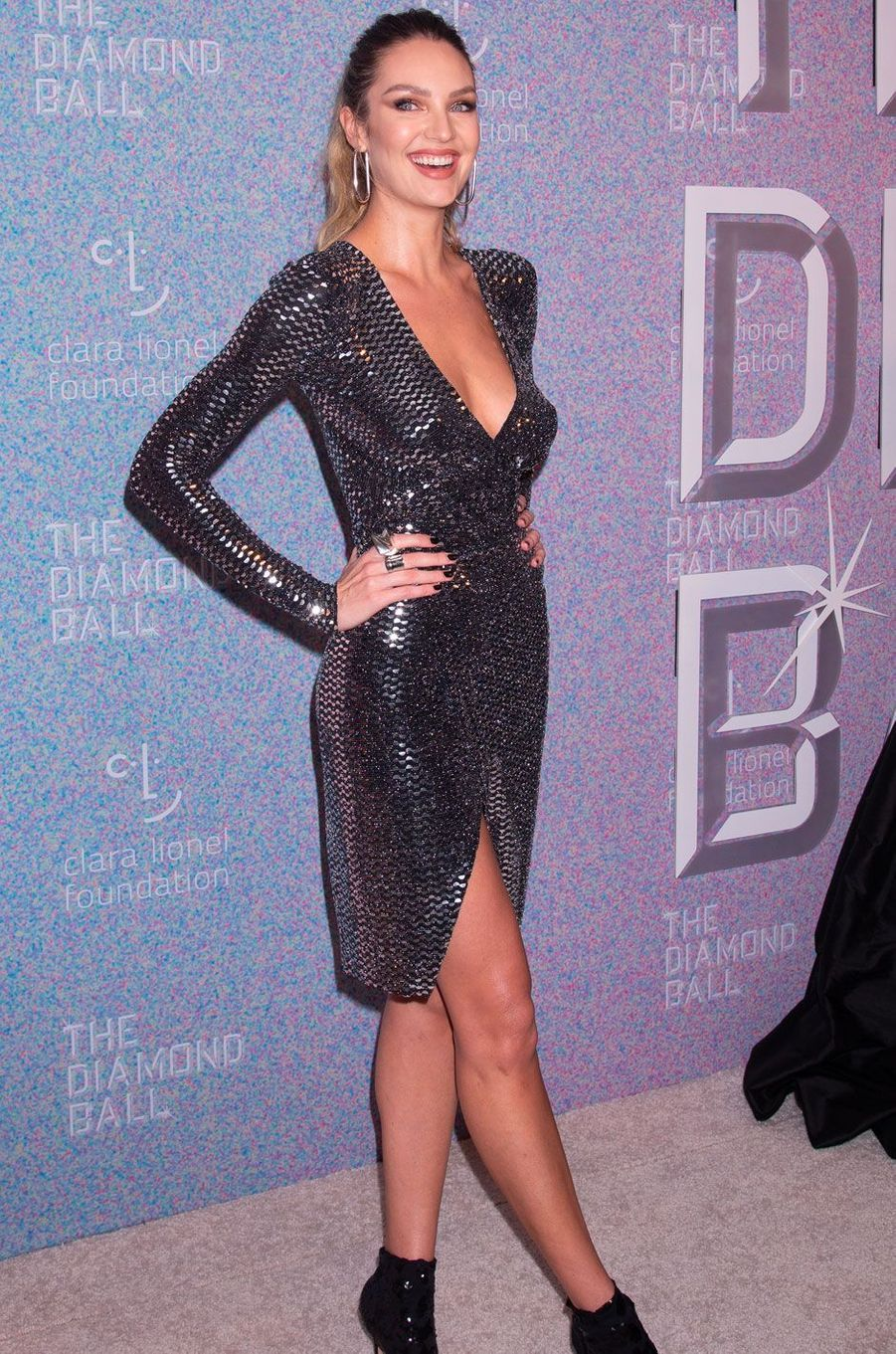 Candice Swanepoel au Diamond Ball, à New York le 13 septembre 2018