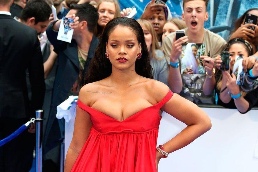"""Rihanna à l'avant-première de """"Valérian"""", ce lundi soir à Londres"""