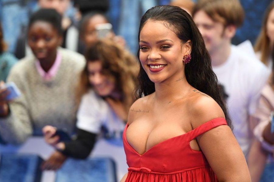 """Rihanna à l'avant-première de """"Valérian"""" le dernier film de Luc Besson"""
