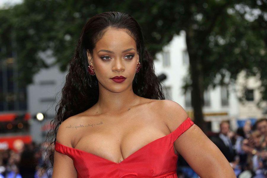 """Rihanna à l'avant-première de """"Valérian"""""""