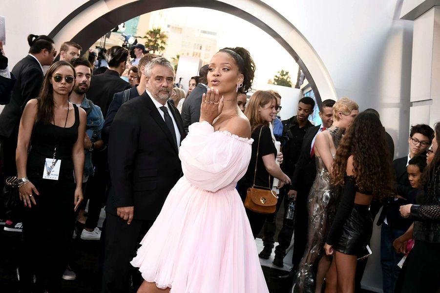 """Rihanna à l'avant-première de """"Valérian et la Cité des mille planètes"""" à Los Angeles, le 17 juillet 2017."""