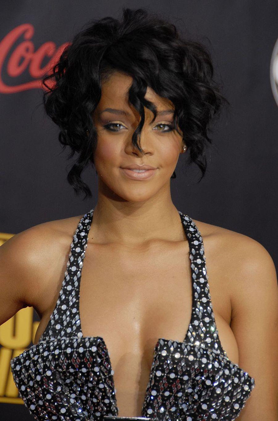 Rihanna aux American Music Awards à Los Angeles en novembre 2007