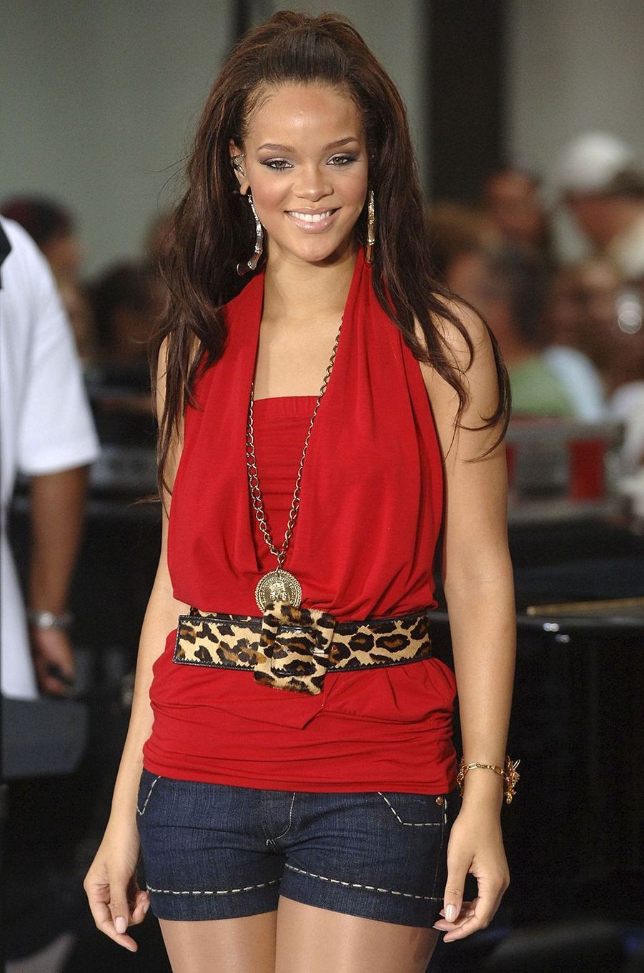 Rihanna lors d'un concert pour la chaîne NBC à New York en juillet 2005