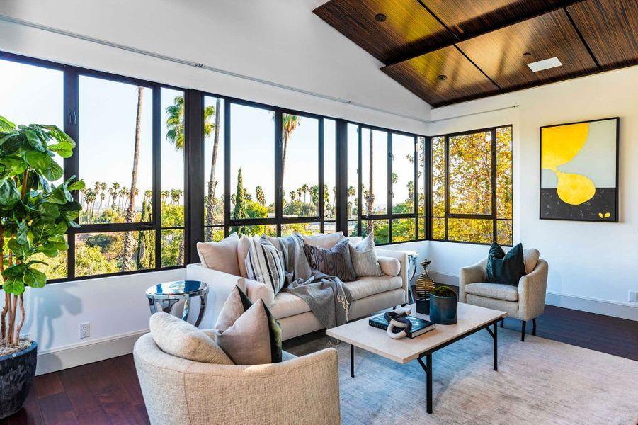 Rihanna vend sa villa hollywoodienne pour 7,5 millions de dollars