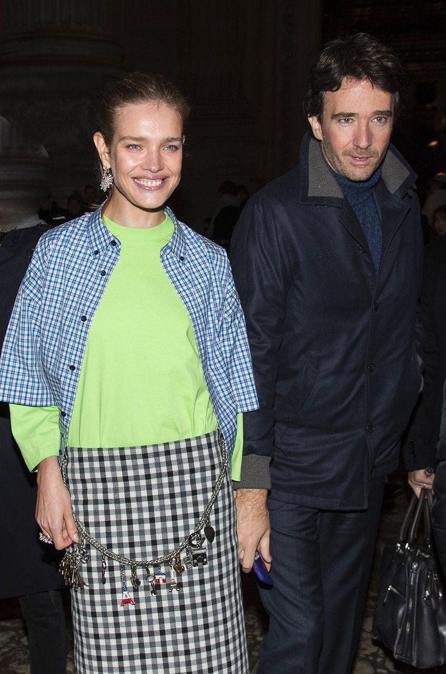 Natalia Vodianova et Antoine Arnaultau défilé Berluti pendant la Fashion Week