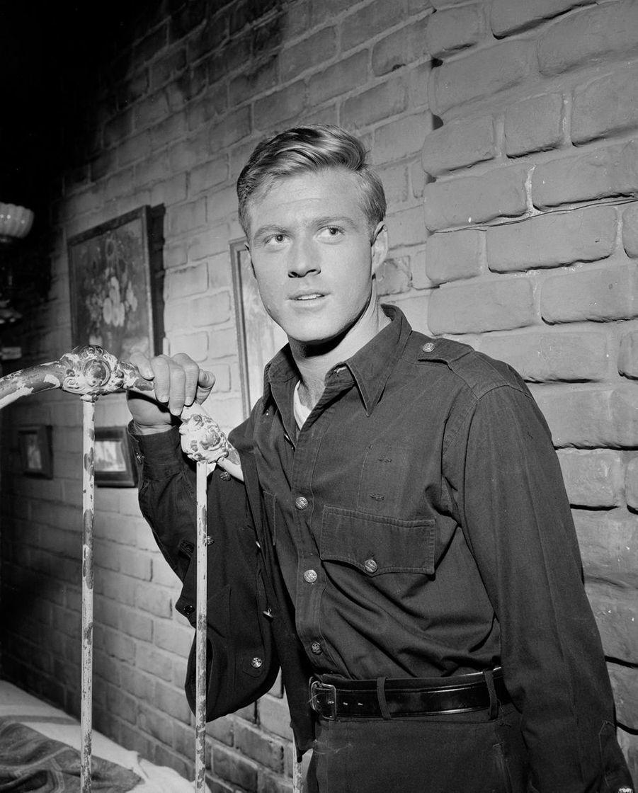 "Robert Redford dans un épisode de ""La Quatrième Dimension"", 1962"