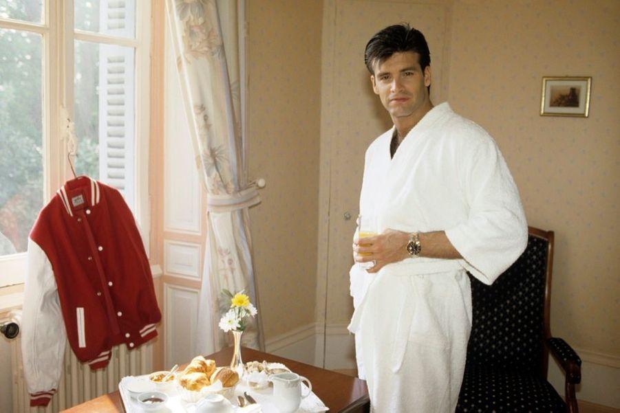 Roch Voisine dans le Poitou, lors de son premier rendez-vous avec Paris Match, en avril 1990.