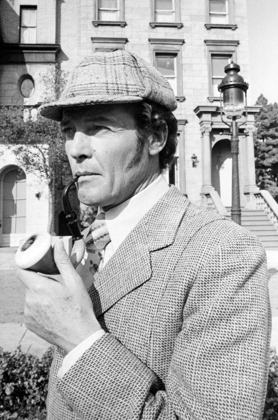 Roger Moore en Sherlock Holmes 1976