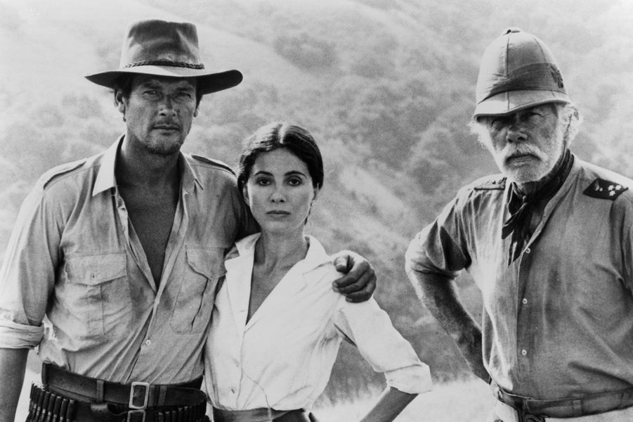 Roger Moore, Barbara Parkins et Lee Marvin en 1976