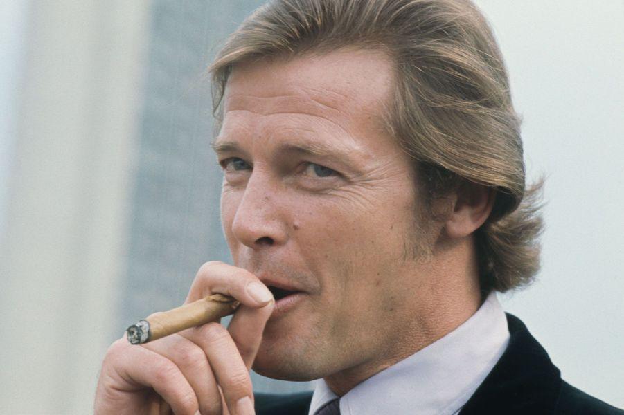 Roger Moore en 1971