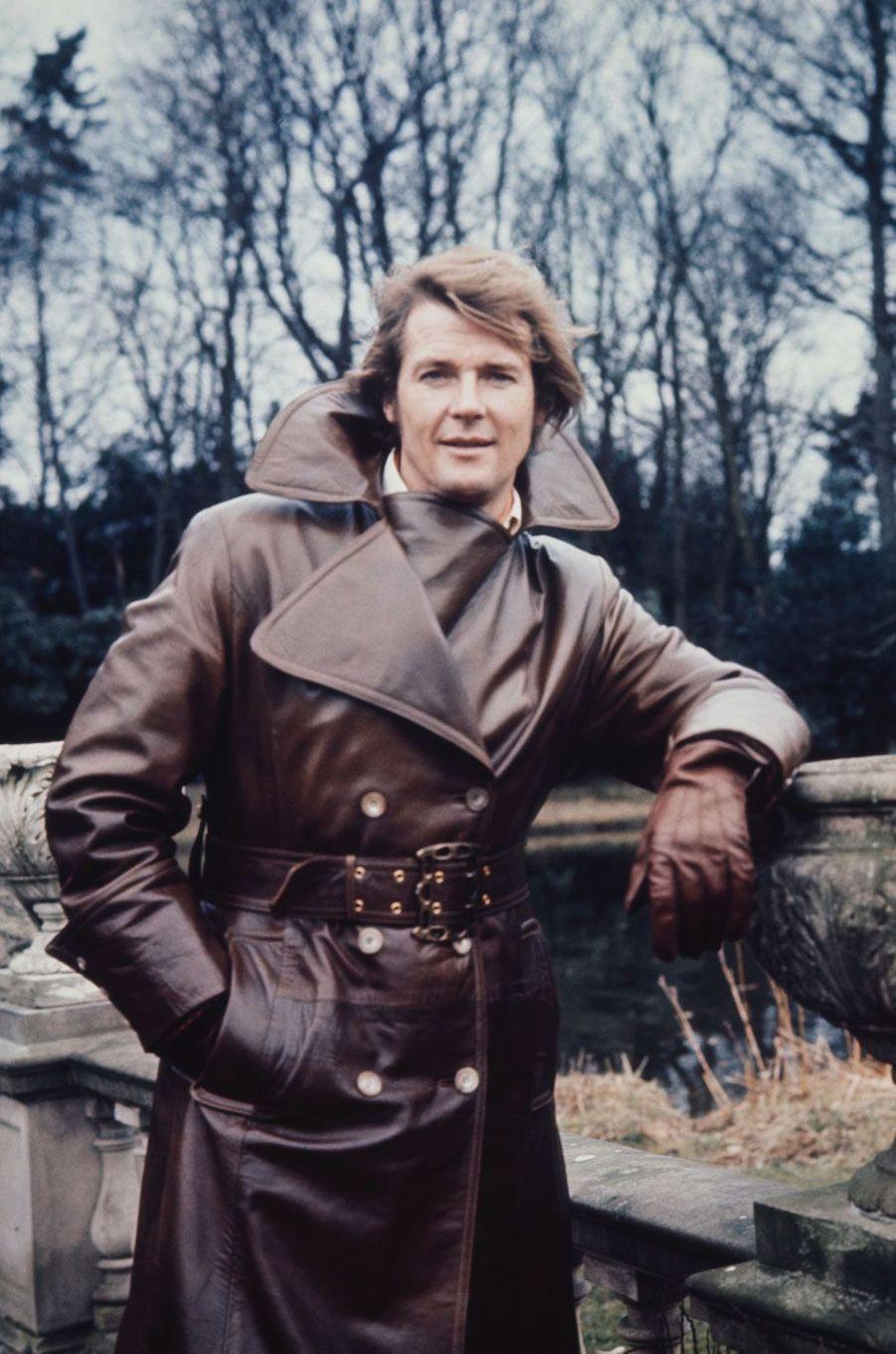 Roger Moore jeune