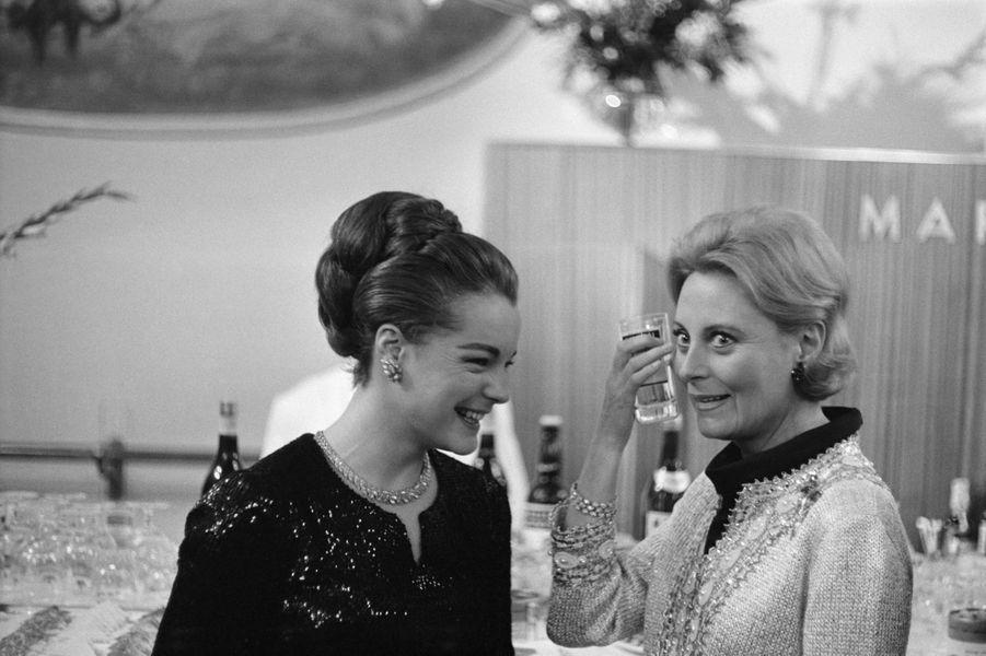 Romy avec Michele Morgan en 1965.