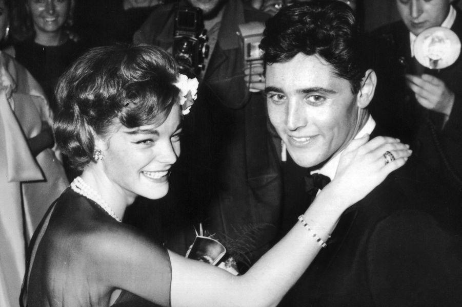 Romy avec Sacha Distel en 1961.
