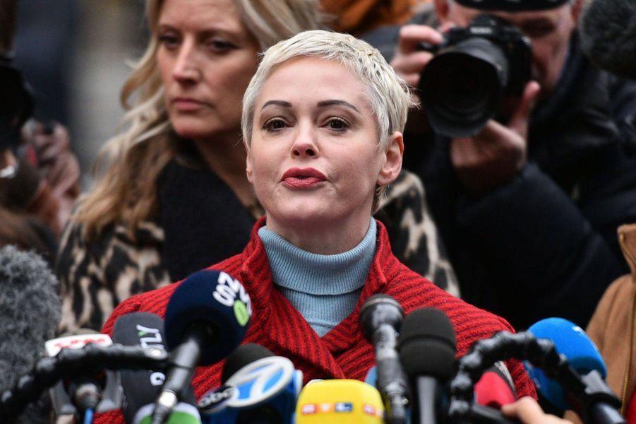 Rose McGowanau premier jour du procès d'Harvey Weinstein à New York le 6 janvier 2020