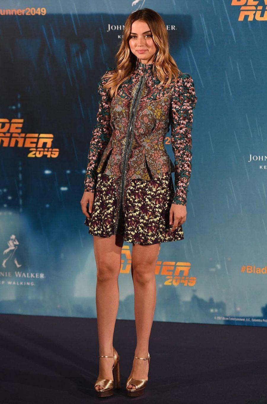 """Ana de Armasau photocall de """"Blade Runner 2049"""", à Madrid le 19 septembre 2017."""