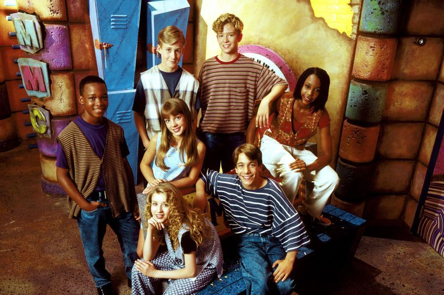 "Ryan Gosling avec la troupe du ""Mickey Mouse Club"", en 1993."