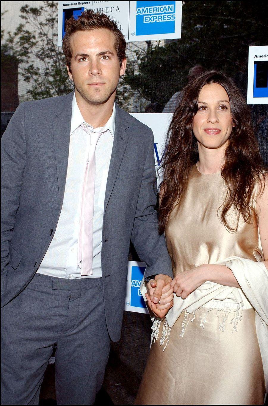 Ryan Reynolds et Alanis Morisette en 2003.