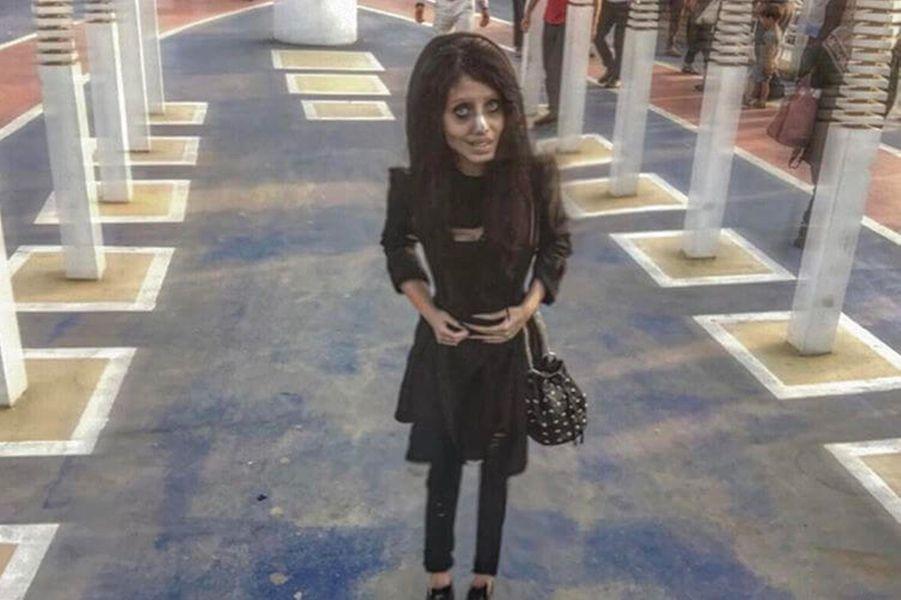 Sahar Tabar, l'Iranienne qui voulait ressembler à Angelina Jolie.