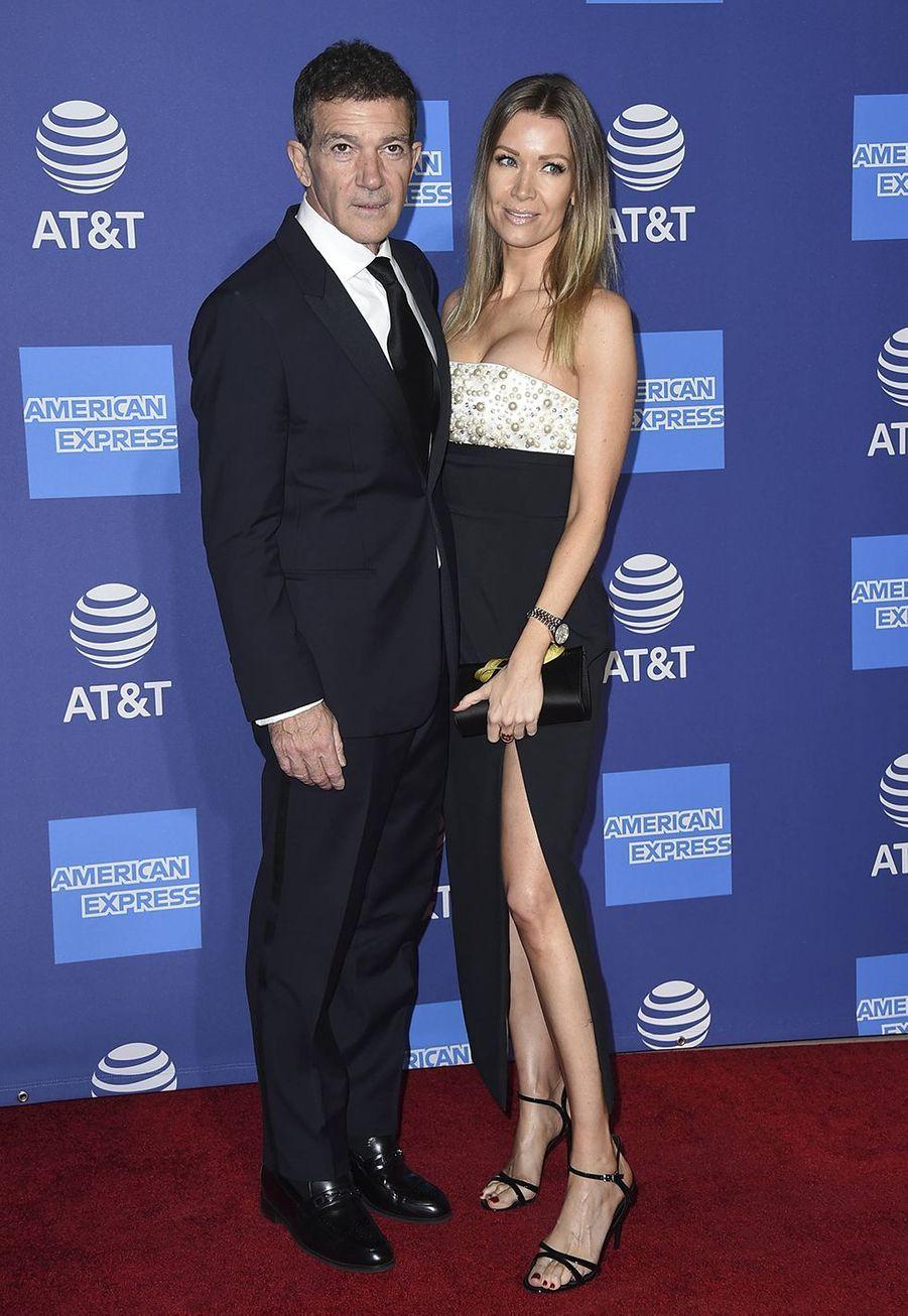 Antonio Banderas et sa compagne Nicole Kimpel au Palm Springs International Film Festival, le 2 janvier 2020.