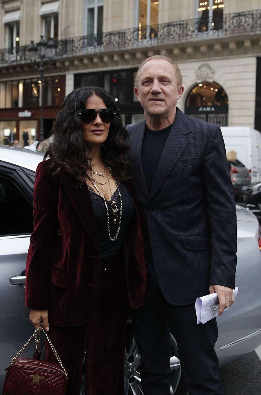 Stella McCartney et François-Henri Pinault au show Stella McCartney, à Paris.