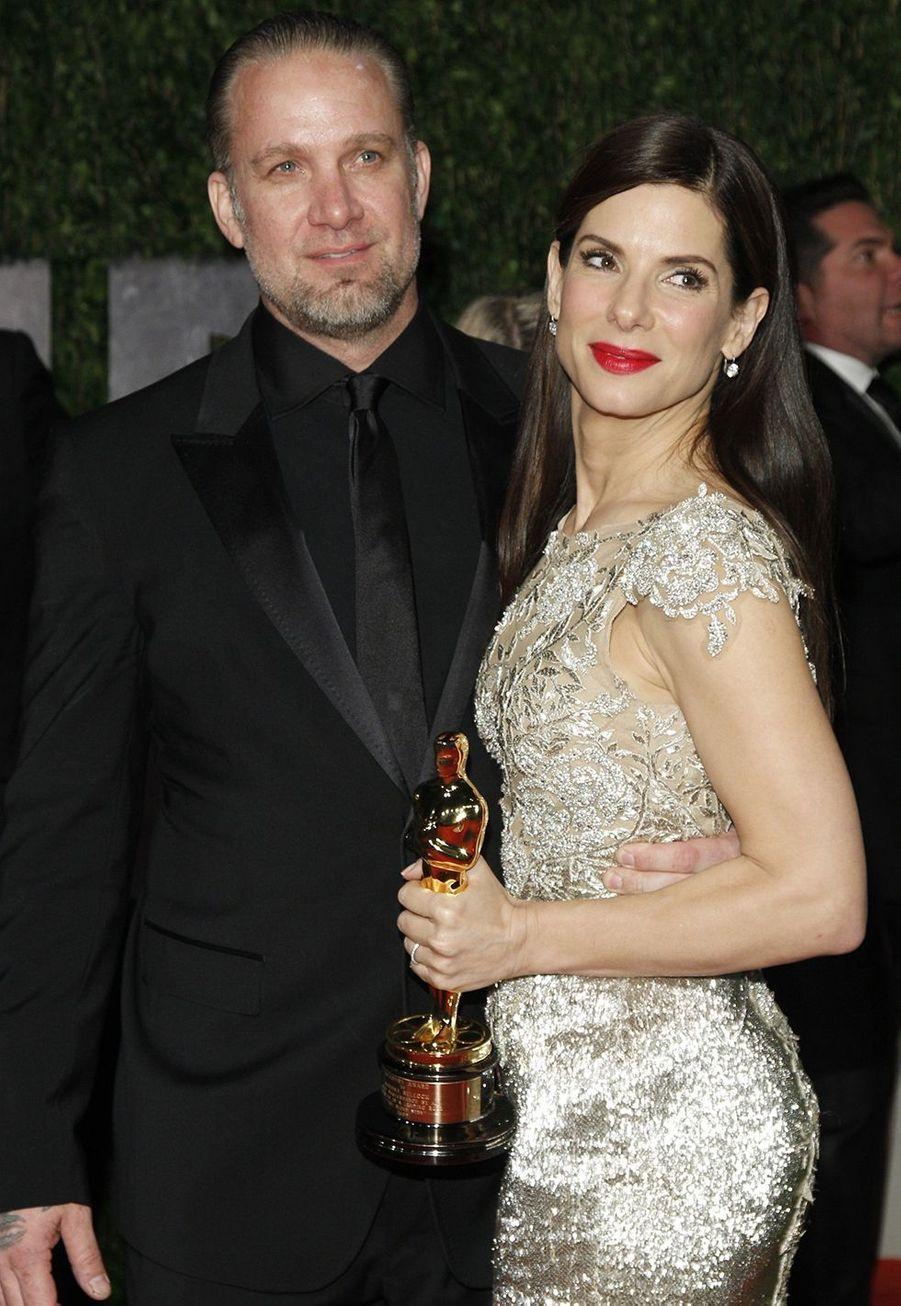 Sandra Bullock en 2010 (avec Jesse G. James)