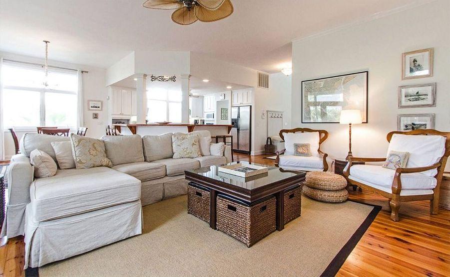 Sandra Bullock vend sa maison de Tybee Island (Géorgie) pour 6,5 millions de dollars.