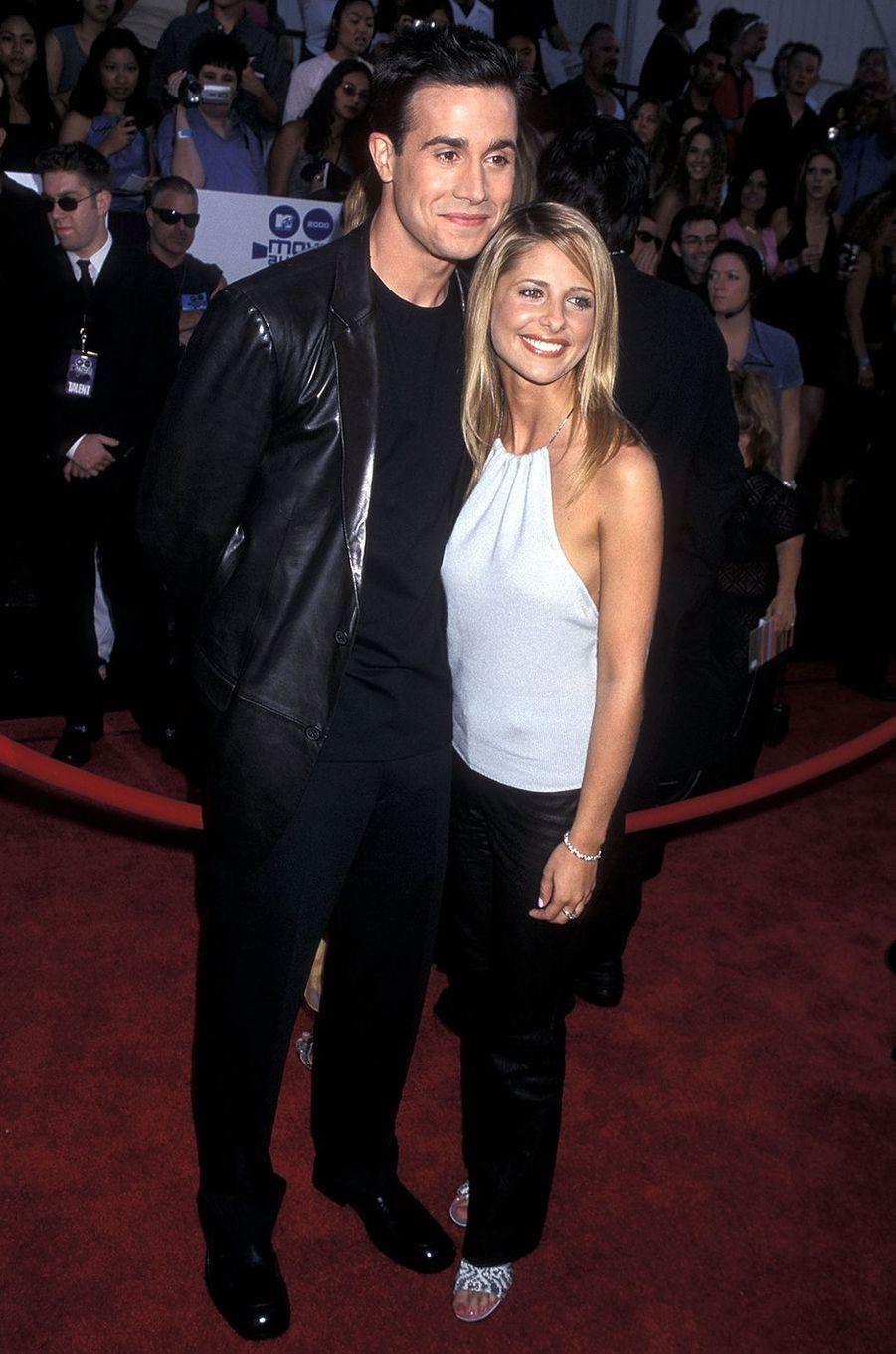 Freddie Prinze Jr. et Sarah Michelle Gellar aux MTV Movie Awards à Los Angeles en juin 2000