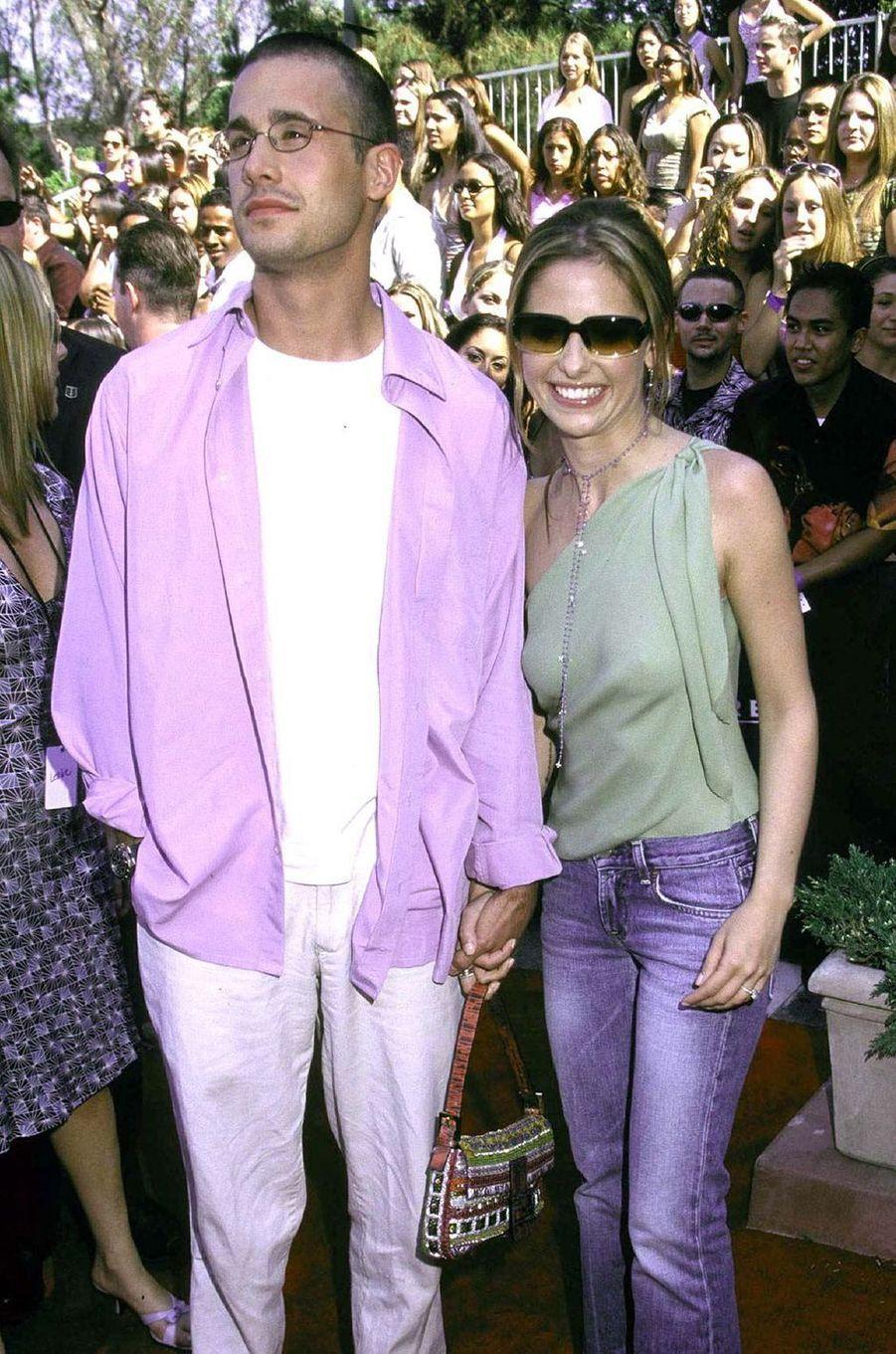 Freddie Prinze Jr. et Sarah Michelle Gellar aux Teen Choice Awards à Los Angeles en août 2001