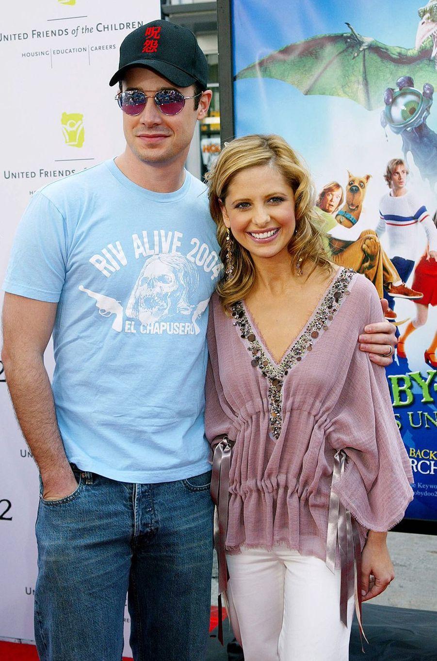 Freddie Prinze Jr. et Sarah Michelle Gellar à la première du film «Scooby-Doo 2» à Los Angeles en mars 2004