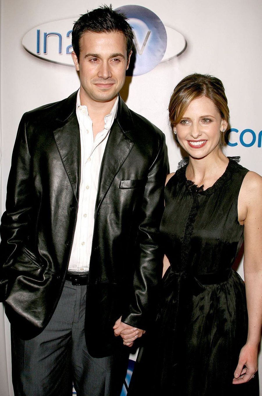 Freddie Prinze Jr. et Sarah Michelle Gellar à une soirée de la Warner Bros. à Beverly Hills en mars 2006
