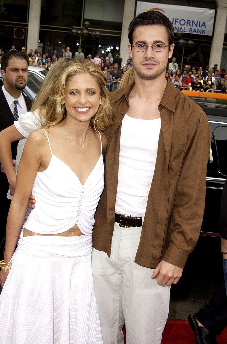 Sarah Michelle Gellar et Freddie Prinze Jr. à l'avant-première hollywoodienne du film «Scooby-Doo» en juin 2002