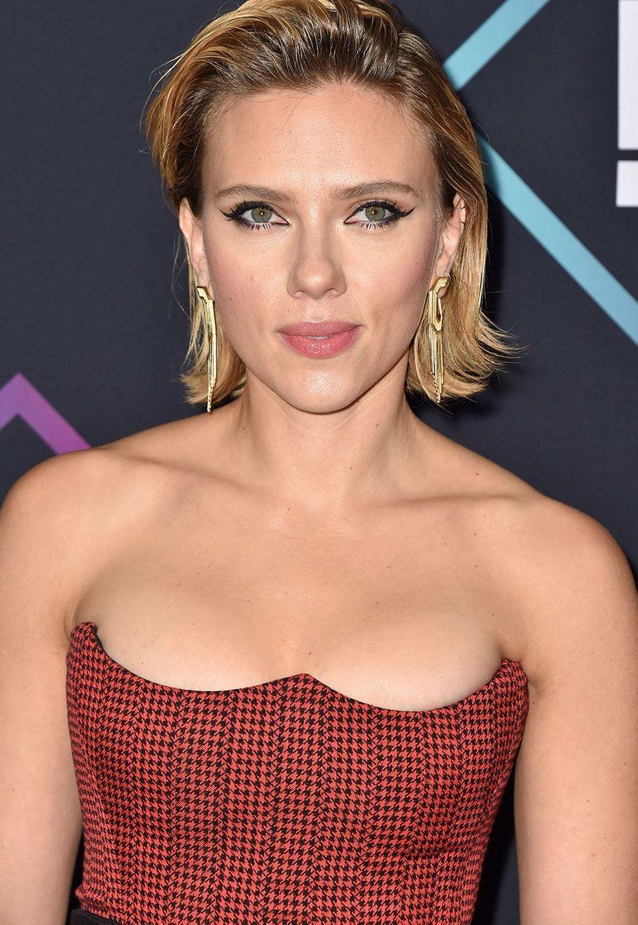 Scarlett Johansson aux People's Choice Awards dimanche soir en Californie
