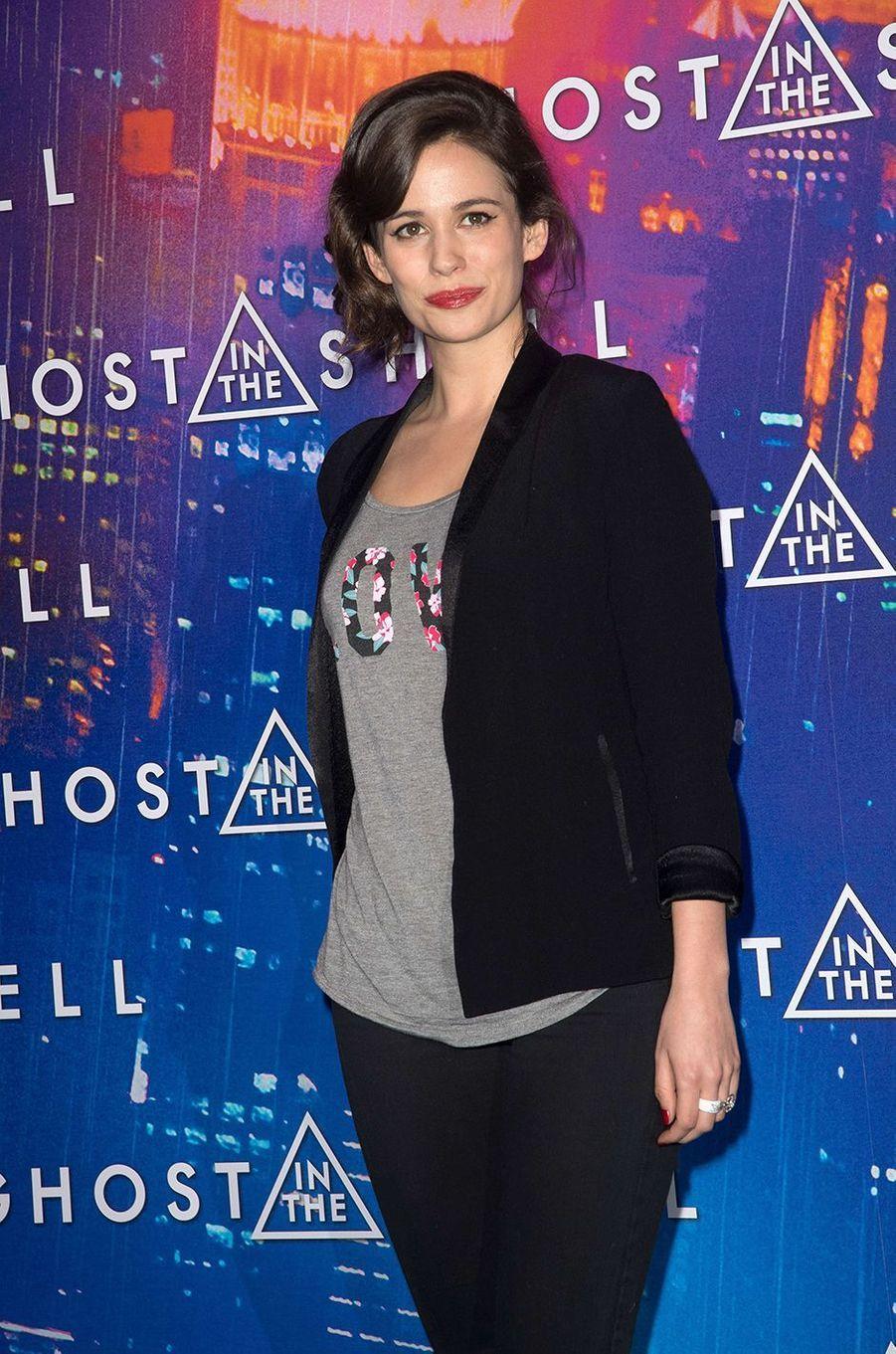 """Lucie Lucasà Paris pour """"Ghost in the Shell"""", le 21 mars 2017."""